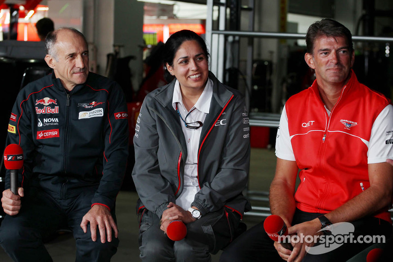(L naar R): Franz Tost, Teambaas Scuderia Toro Rosso met Monisha Kaltenborn, Teambaas Sauber en Graeme Lowdon, Marussia F1 Team Chief Executive Officer