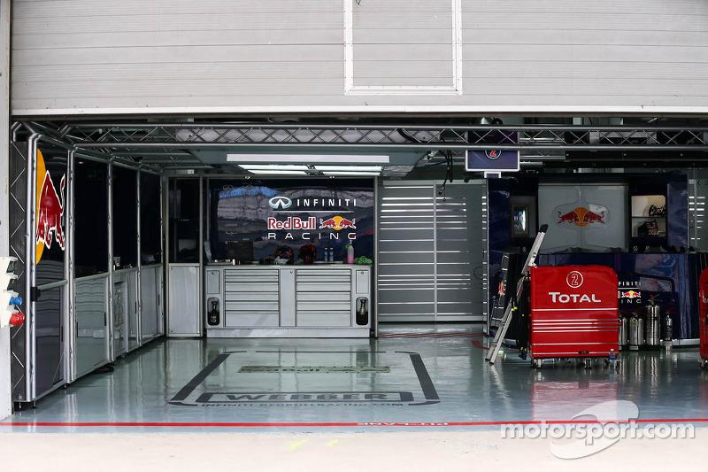 Red Bull Racing pit garage for Mark Webber, Red Bull Racing