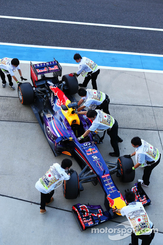 Red Bull Racing RB9 de Sebastian Vettel, Red Bull Racing na vistoria