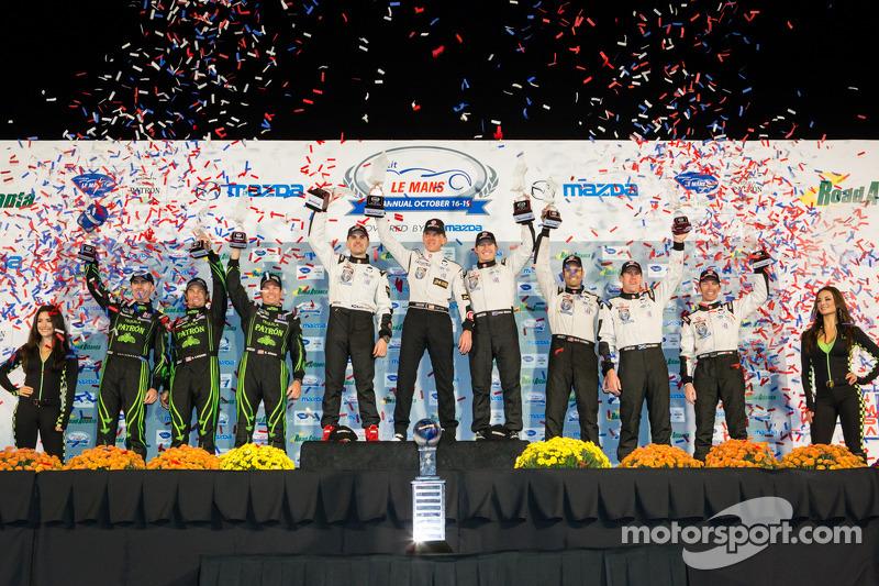 P2 podium: class winners Scott Tucker, Ryan Briscoe, Marino Franchitti, second place Scott Sharp, Anthony Lazzaro, David Brabham, third place Jonny Kane, Peter Dumbreck, Guy Cosmo