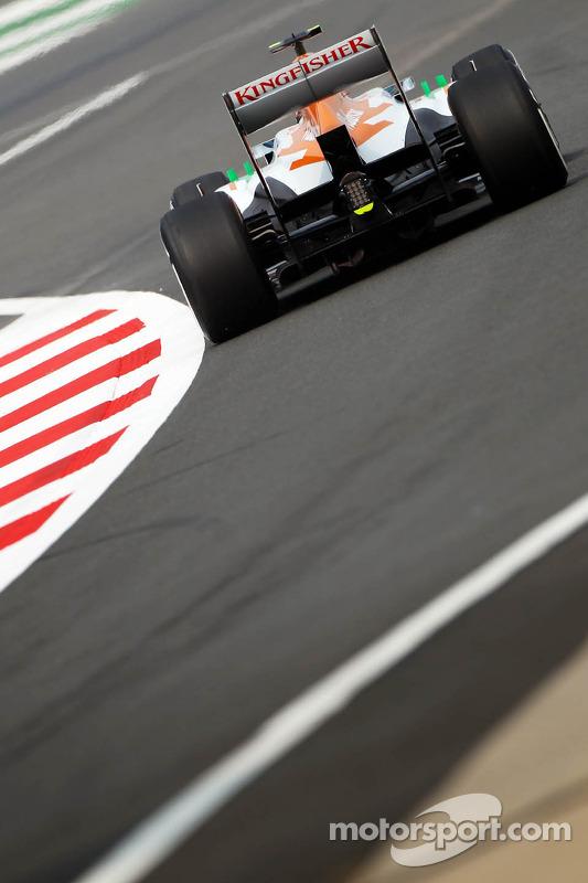 Adrian Sutil, Sahara Force India VJM06, deixa os boxes