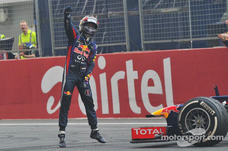 Ganador de la carrera y Campeón del Mundo Sebastian Vettel, Red Bull Racing RB9 celebra al final de la carrrera