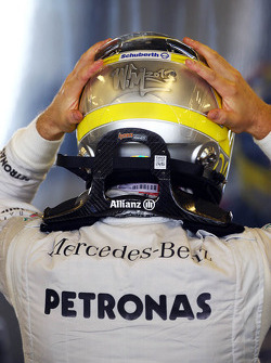 Nico Rosberg, Mercedes AMG F1 HANS device and helmet