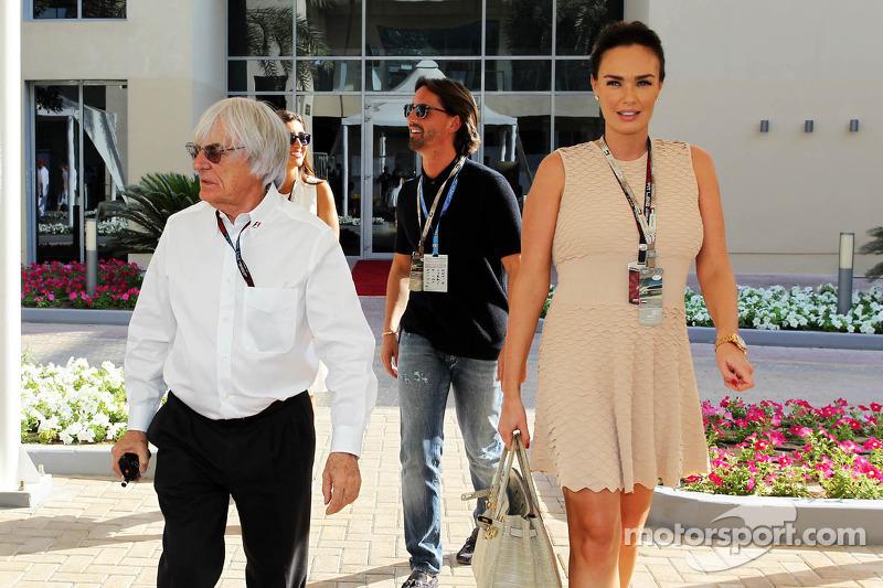 (L naar R): Bernie Ecclestone, CEO Formula One Group, met Jay Rutland en zijn vrouw Tamara Eccleston