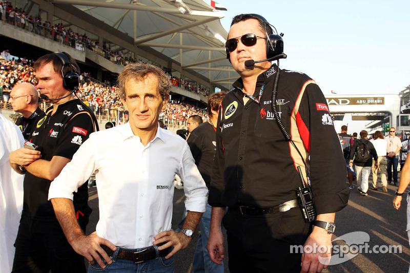 (L naar R): Alain Prost, met Eric Boullier, Teambaas Lotus F1 op de grid