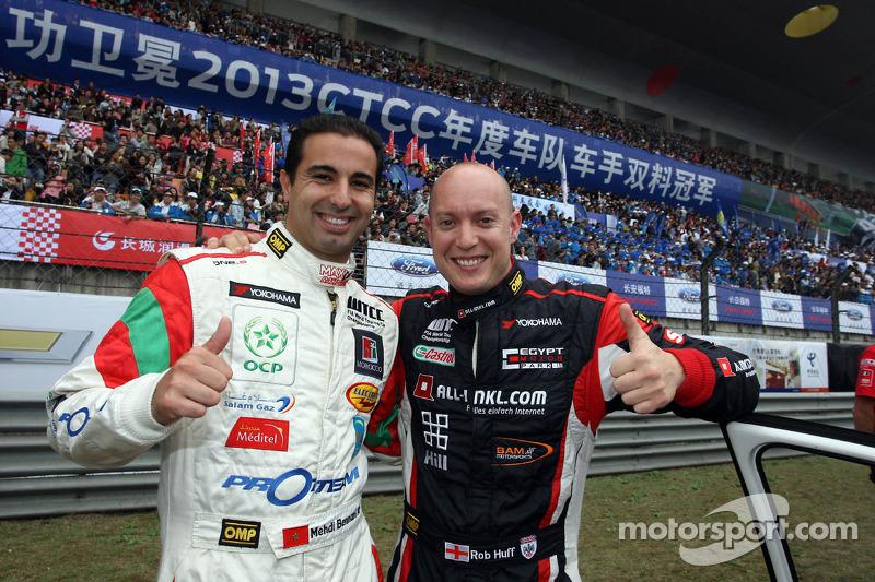(L-R) Mehdi Bennani, BMW E90 320 TC, Proteam Racing en Robert Huff, SEAT Leon WTCC, ALL-INKL.COM Munnich Motorsport