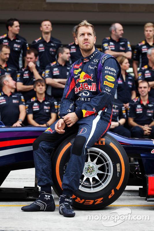 Sebastian Vettel, Red Bull Racing em um foto da equipe