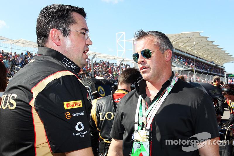 (L naar R): Eric Boullier, Teambaas Lotus F1 met Matt LeBlanc, acteur op de grid