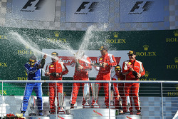 Podium: champagne voor iedereen