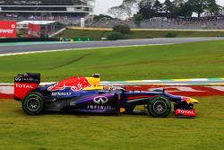 Sebastian Vettel, Red Bull Racing RB9 escapa