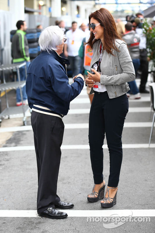 Bernie Ecclestone, CEO do Formula One Group, com sua esposa Fabiana Flosi