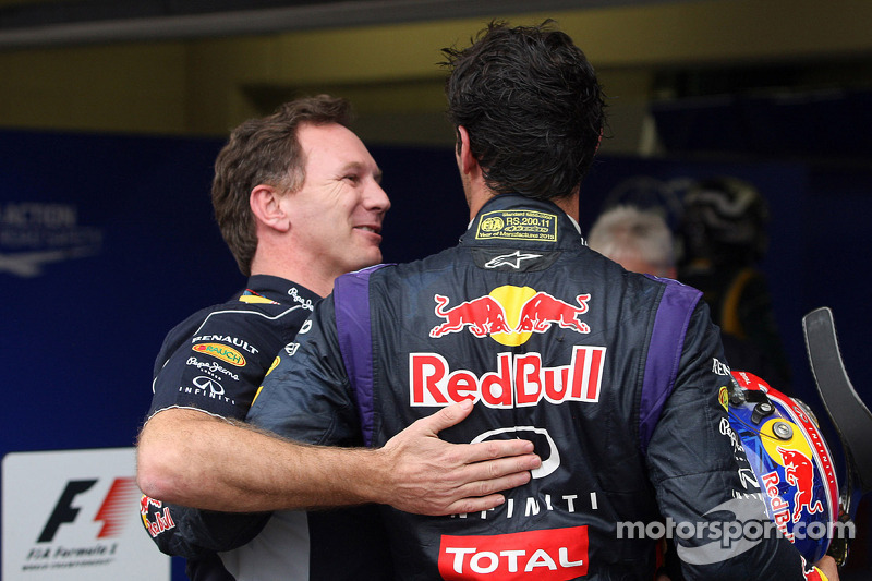 Christian Horner, Teambaas Red Bull Racing vieren het resultaat met Mark Webber, Red Bull Racing in parc ferme