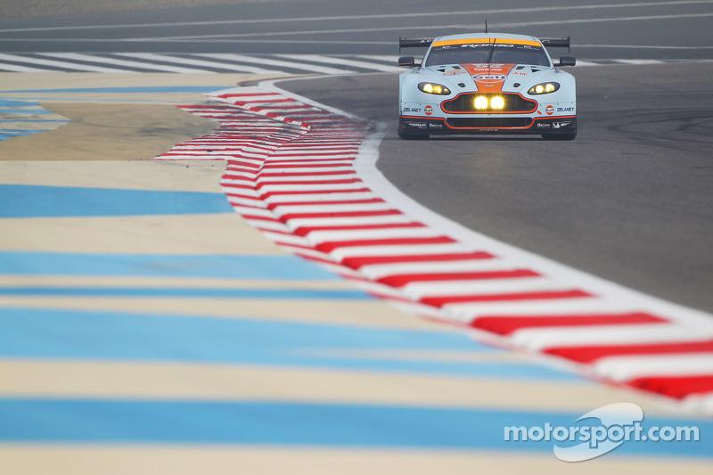 #96 Aston Martin Racing Aston Martin Vantage V8: Stuart Hall, Jamie Campbell-Walter, Roald Goethe