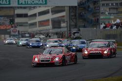 Largada: #38 Lexus Team Zent Cerumo Lexus SC430: Yuji Tachikawa, Kohei Hirate lidera