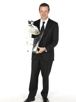 Matt Kenseth poseert met zijn beker voor de 2e plaats