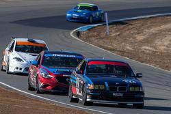 #32 F7 Fresch Motorsport BMW 325 is: Jarett Freeman, Thomas Lepper, Carl Young