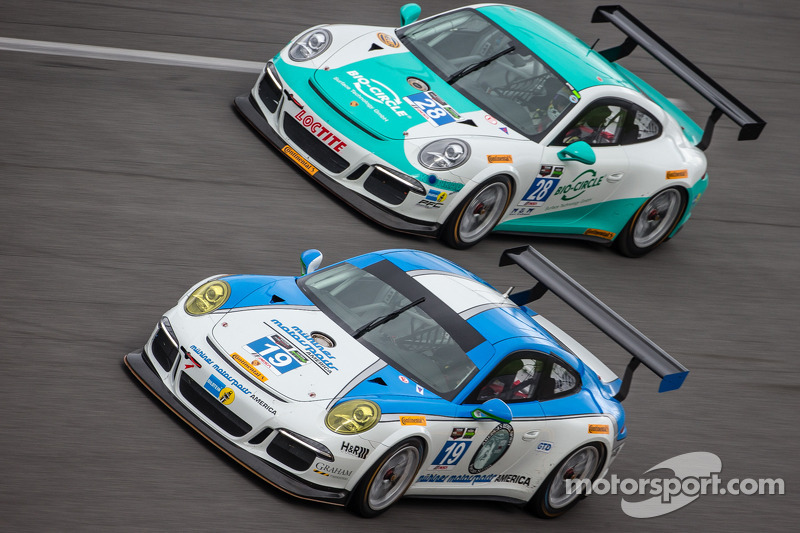 #19 Muehlner Motorsports America Porsche 911 GT America: Randy Pobst, Jim Michaelian, #28 Dempsey Ra