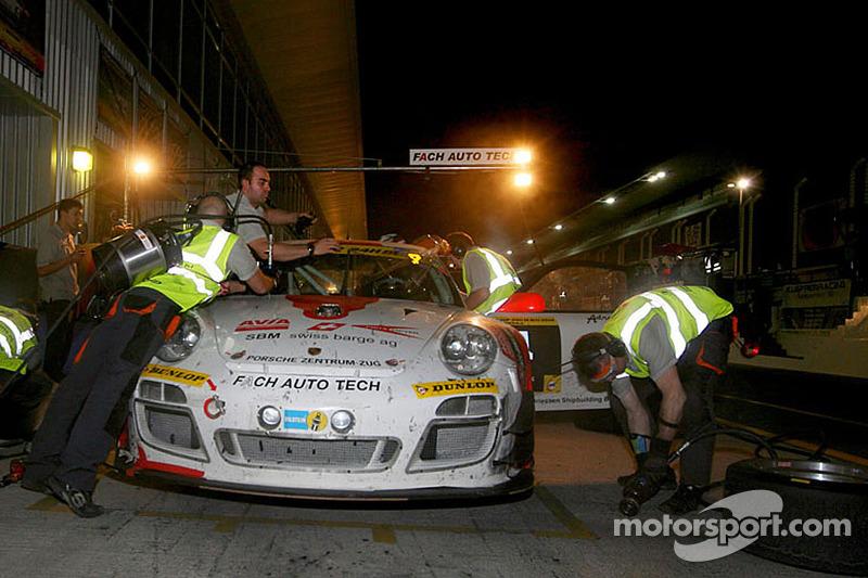 #4 Fach Auto Tech 保时捷 997 GT3 R: 奥托·克洛斯, 马丁·雷齐格, 塞巴斯蒂安·阿施, 康诺·德菲利皮
