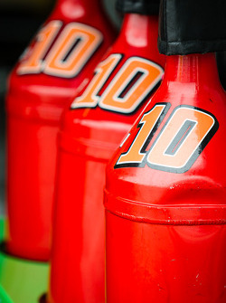 Gas cans for Danica Patrick, Stewart-Haas Racing Chevrolet