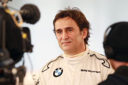 Alex Zanardi announces his return to racing with BMW