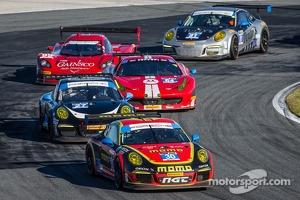 #30 NGT Motorsport Porsche 911 GT America: Henrique Cisneros, Christina Nielsen, Nicki Thiim, Kuba Giermaziak leads a group of cars