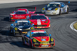 #30 NGT Motorsport Porsche 911 GT America: Henrique Cisneros, Christina Nielsen, Nicki Thiim, Kuba Giermaziak leads a group of cars