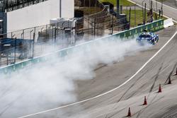 #46 Fall-Line Motorsports Audi R8 LMS: Charles Putnam, Charles Espenlaub, James Walker, Oliver Jarvis : Gros accident