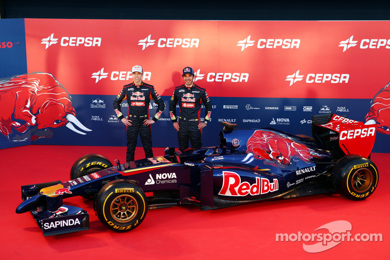 Daniil Kvyat and Jean-Eric Vergne unveil the Scuderia Toro Rosso STR9