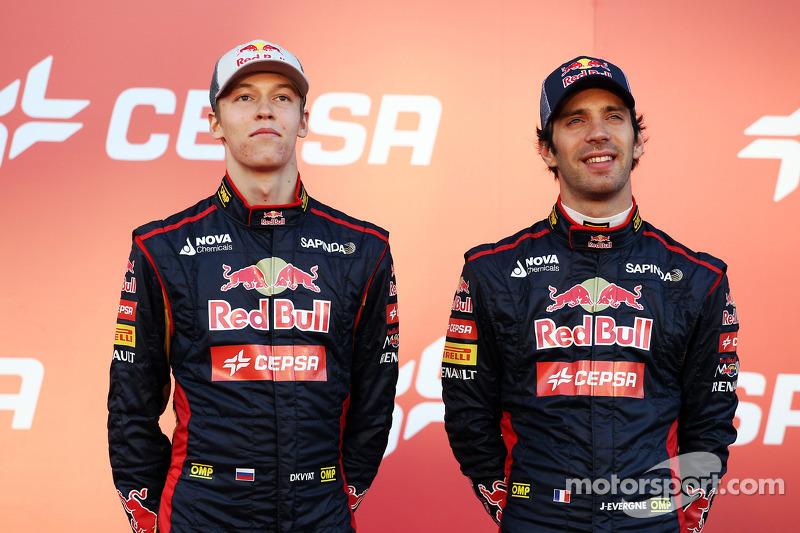 (L to R): Daniil Kvyat, Scuderia Toro Rosso with team mate Jean-Eric Vergne, Scuderia Toro Rosso at