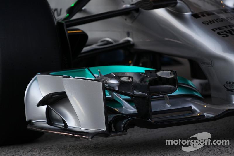 La presentazione della nuova Mercedes AMG F1 W05 - alettone anteriore