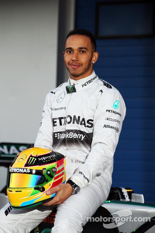 Lewis Hamilton, Mercedes AMG F1, na inauguração do novo Mercedes AMG F1 W05