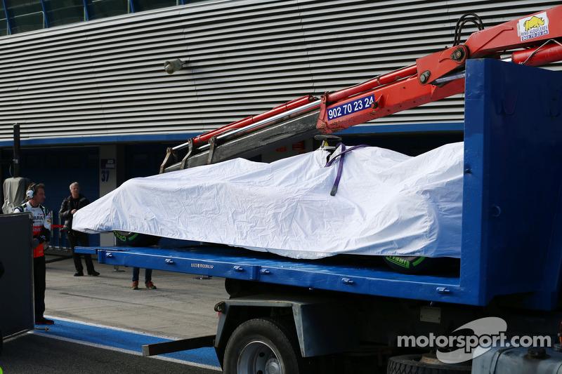 La Sahara Force India F1 VJM07 di Sergio Perez, Sahara Force India F1 viene portata di nuovo ai box