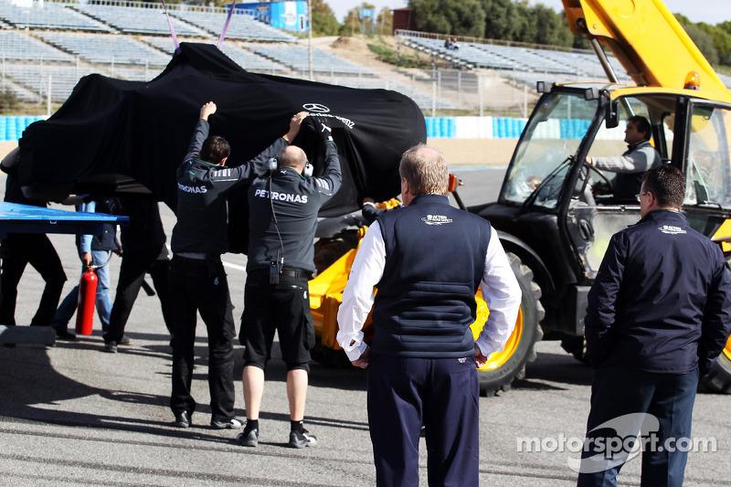 FIA Delegates inspect the first corner after Lewis Hamilton, Mercedes AMG F1 crashed
