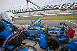 进站:#90 Spirit Of Daytona,Corvette DP雪佛兰: Richard Westbrook, Michael Valiante, Mike Rockenfeller
