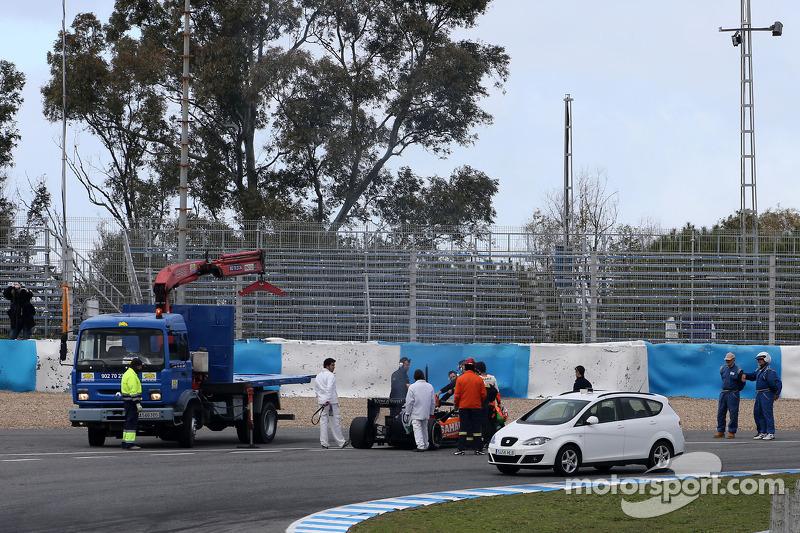 Sergio Perez, Sahara Force India detenido en la pista