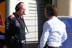 (Da sinistra a destra):  Adrian Newey, Red Bull Racing Chief Technical Officer with Christian Horner, Red Bull Racing Team Principal
