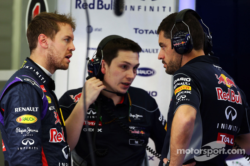 (L to R): Sebastian Vettel, Red Bull Racing with Tim Malyon, Red Bull Racing Performance Engineer an
