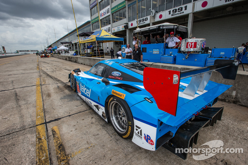 #01 Chip Ganassi Racing Riley DP Ford EcoBoost: Scott Pruett, Memo Rojas, Scott Dixon