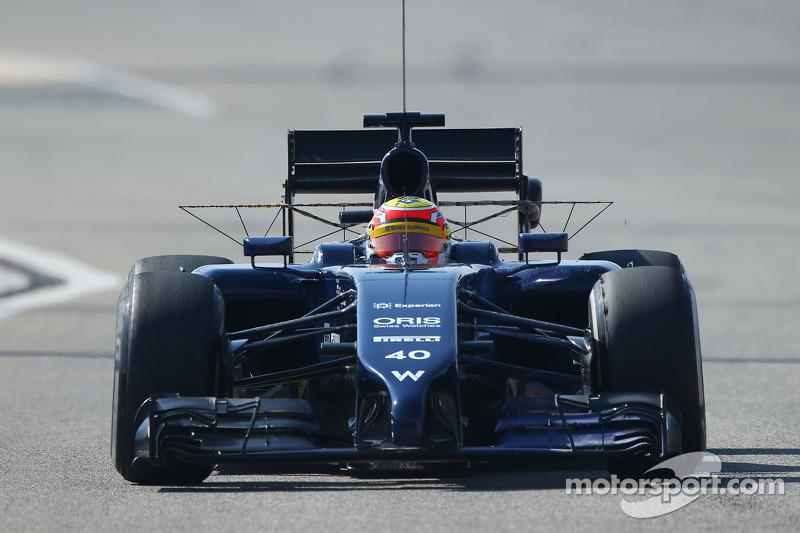 Felipe Nasr, Williams FW36 Test ve Yedek Pilotu sensörlerle birlikte pistte