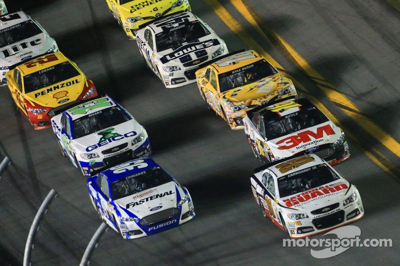 Dale Earnhardt Jr., Hendrick Motorsports Chevrolet lider