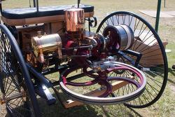 1886 梅赛德斯-奔驰 Motor Wagon