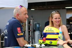 Tom Coronel, Chevrolet RML Cruze TC1, Roal Motorsport and his girlfriend