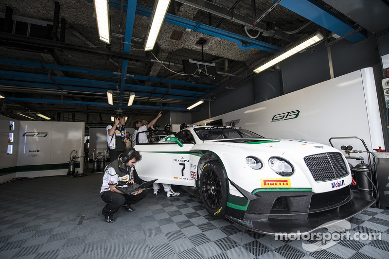 #7 M-Sport 宾利 宾利 Continental GT3: 盖·史密斯, 斯蒂文·凯恩, 安迪·梅里克