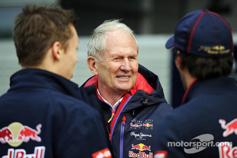 (L to R): Daniil Kvyat, Scuderia Toro Rosso with Dr Helmut Marko, Red Bull Motorsport Consultant and Jean-Eric Vergne, Scuderia Toro Rosso