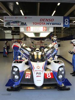 #8 丰田车队 丰田 TS040 Hybrid: 安东尼·戴维森, 尼古拉·拉皮埃尔, 塞巴斯蒂安·布耶米