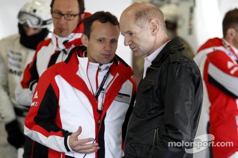 Alexander Hitzinger, Director Técnico del equipo Porsche y Adrian Newey, del Red Bull Racing