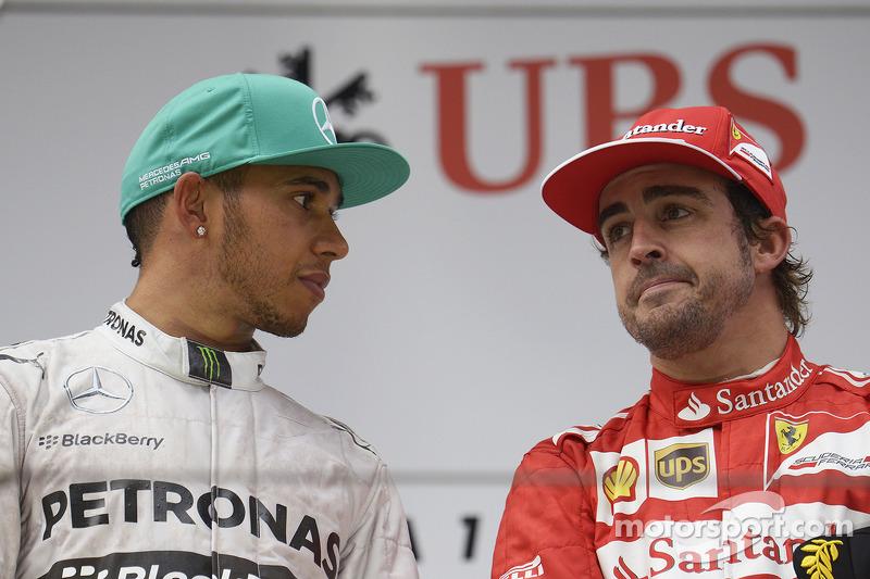 1. Lewis Hamilton, Mercedes AMG F1; 3. Fernando Alonso, Ferrari