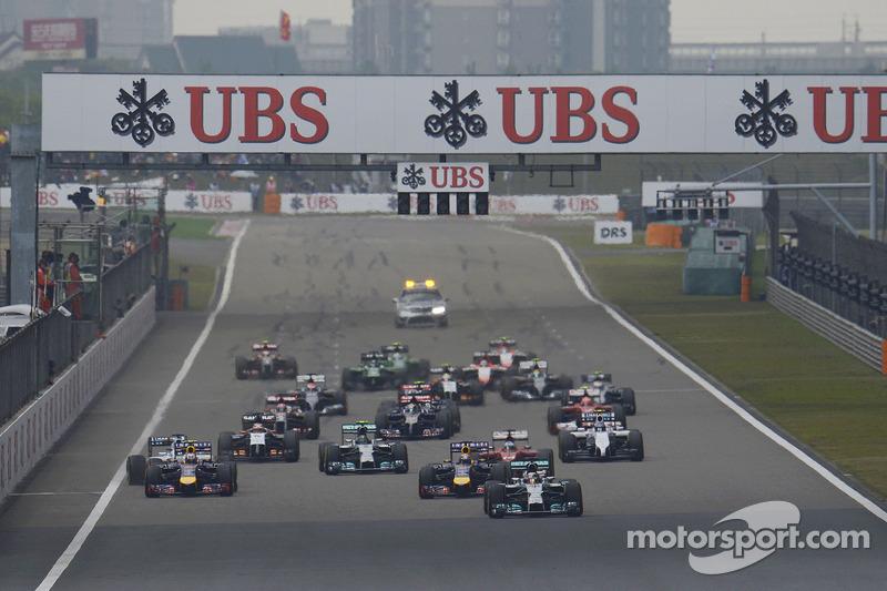 Start: Lewis Hamilton, Mercedes AMG F1 W05, führt