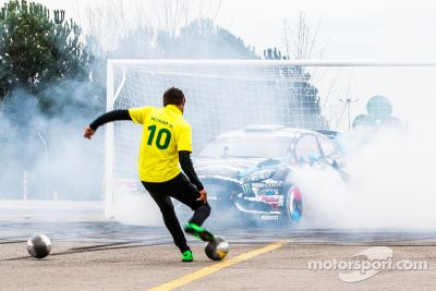 Ken Block en Neymar Jr. in Footkhana