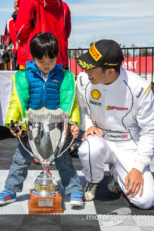 Harry Cheung e figlio